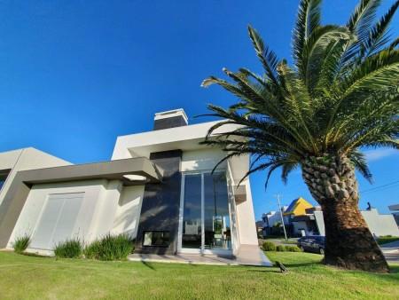 Casa em Condomínio 4 dormitórios em Capão da Canoa   Ref.: 1244