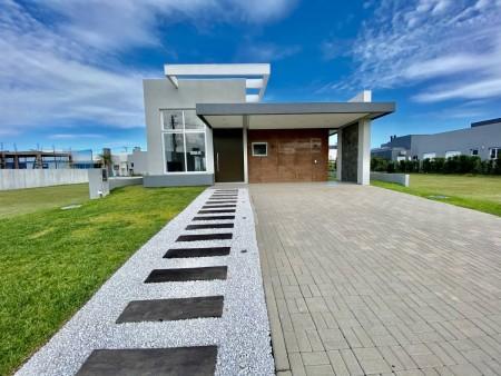 Casa em Condomínio 3 dormitórios em Capão da Canoa | Ref.: 2194