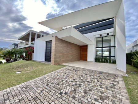 Casa em Condomínio 4 dormitórios em Xangri-lá | Ref.: 2896