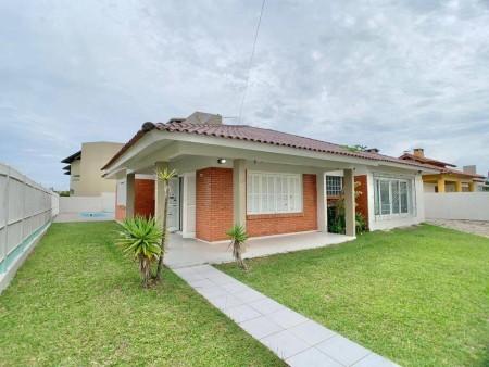 Casa 3 dormitórios em Capão da Canoa   Ref.: 3611